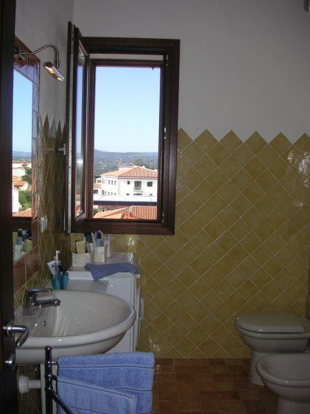 salle de bain Location Appartement 118910 Arzachena
