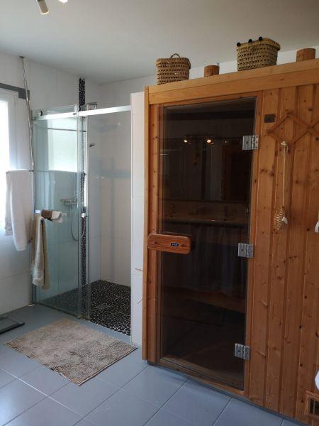 salle de bain 1 Location Villa 119006 Le Teich