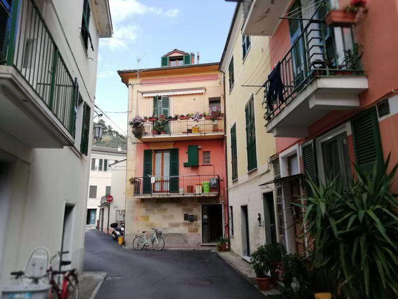 Vue extérieure de la location Location Appartement 75506 Levanto