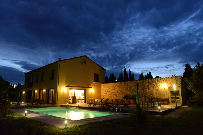 Vue extérieure de la location Location Villa 75882 Nîmes