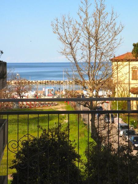 Vue de la terrasse Location Appartement 78224 Viserbella