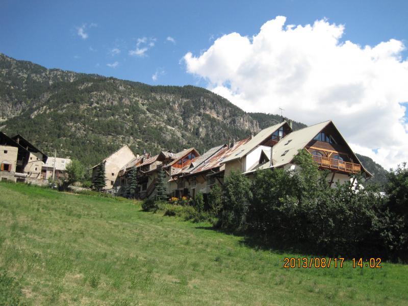Vue extérieure de la location Location Appartement 80698 Briançon