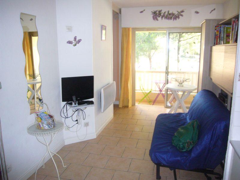 Séjour Location Studio 87435 Bandol
