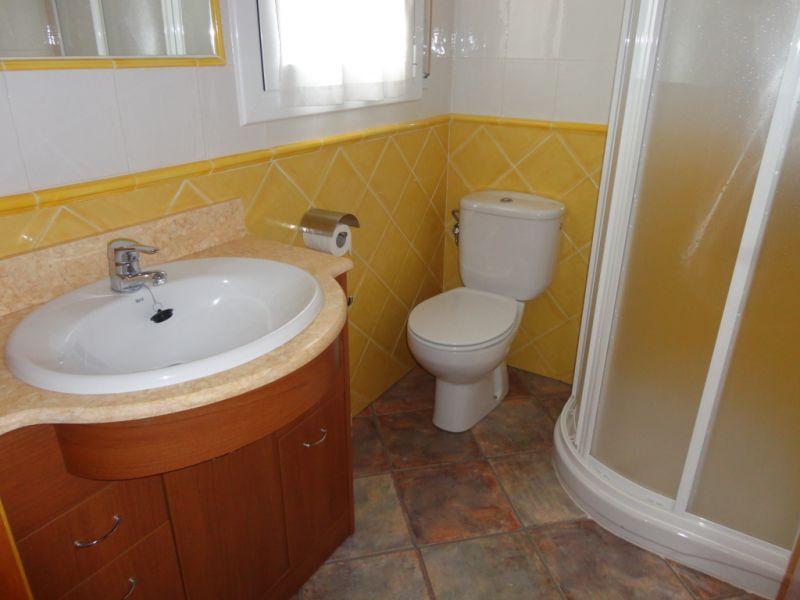salle de bain 1 Location Maison 92760 Cambrils