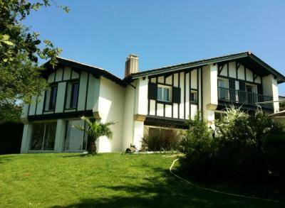 Vue ext�rieure de la location Location Villa 98708 Biarritz