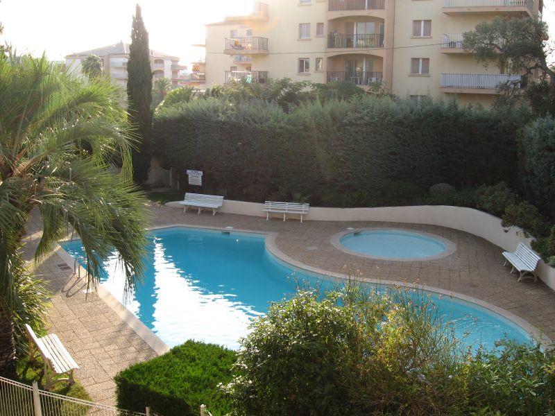 Vue de la terrasse Location Appartement 102878 Sainte Maxime
