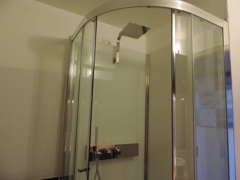 salle de bain Location Appartement 106712 Perros-Guirec
