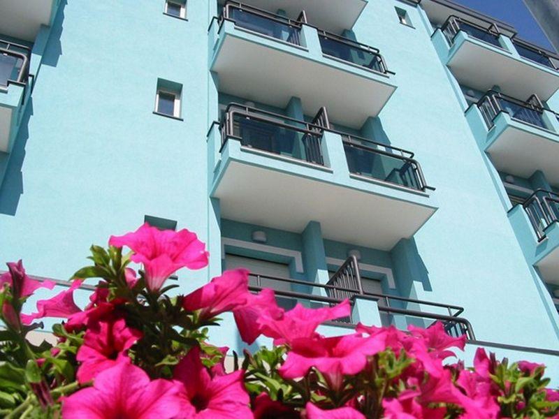 Vue extérieure de la location Location Appartement 107913 Rimini