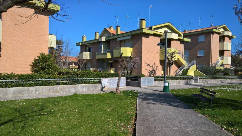 Vue extérieure de la location Location Appartement 108838 Marotta