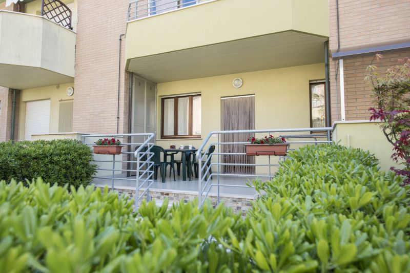 Terrasse Location Appartement 108838 Marotta