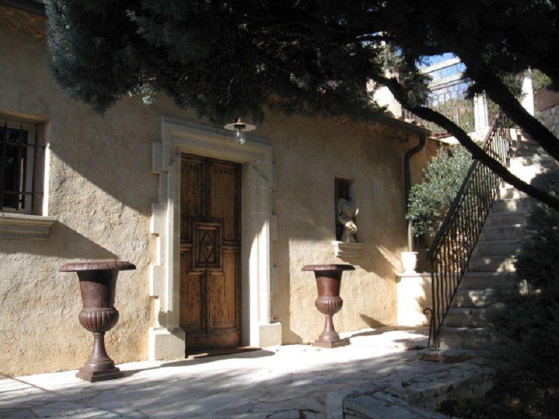 Vue extérieure de la location Location Gite 111014 Gréoux Les Bains