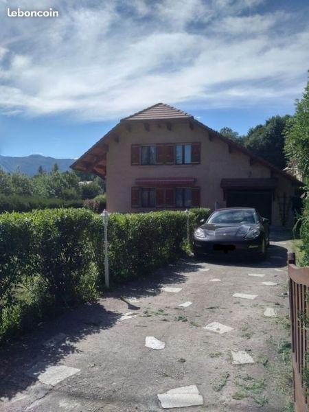 Vue extérieure de la location Location Villa 115667 Gap