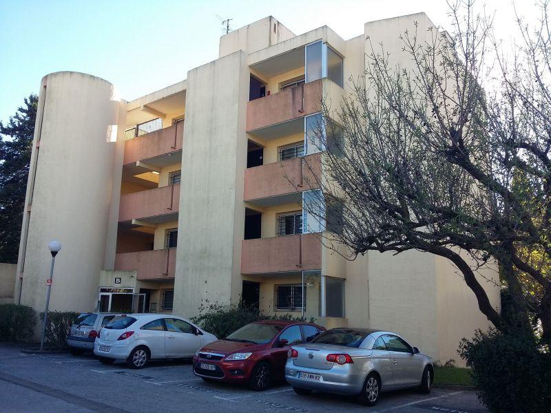 Vue extérieure de la location Location Appartement 117383 Sanary