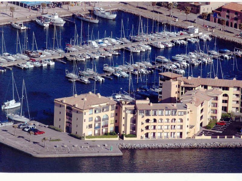 Vue extérieure de la location Location Appartement 83876 Port Leucate