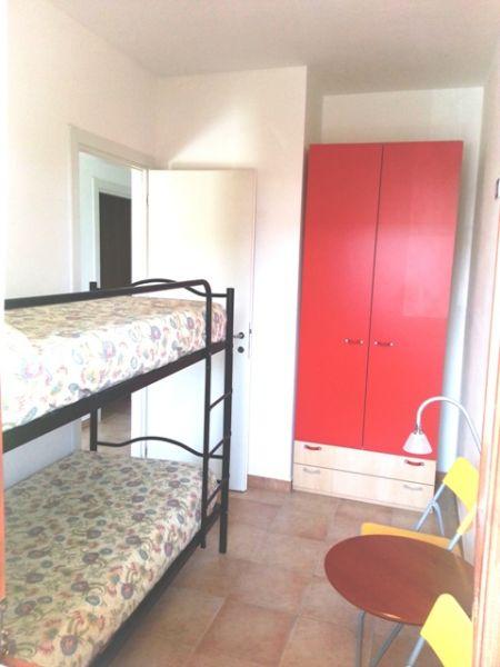 chambre 2 Location Appartement 86087 Fano