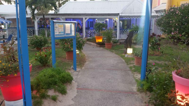 Vue à proximité Location Appartement 86727 Gosier (Guadeloupe)