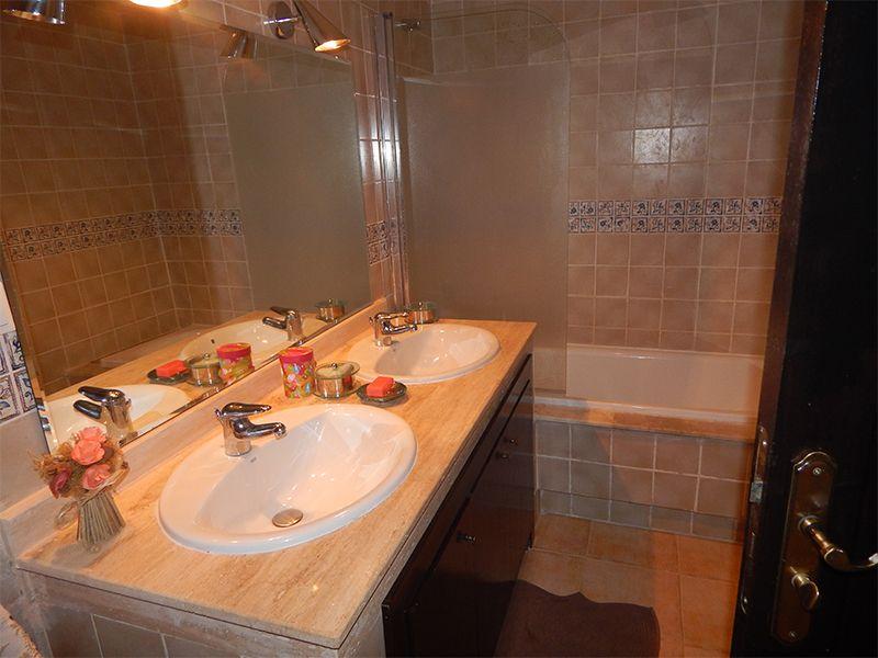 salle de bain 1 Location Appartement 93202 Saidia