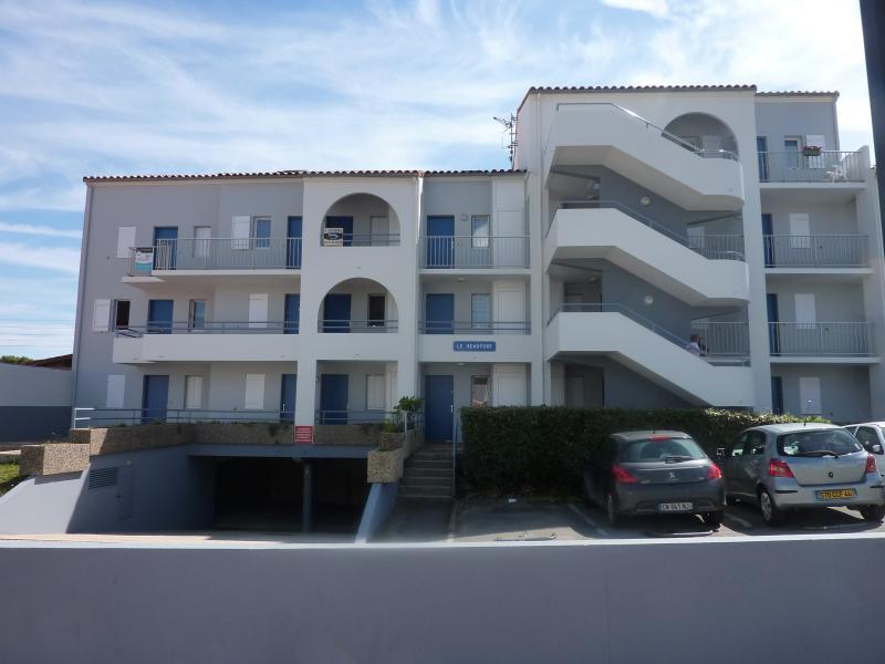Vue extérieure de la location Location Appartement 98354 Saint-Gilles-Croix-de-Vie
