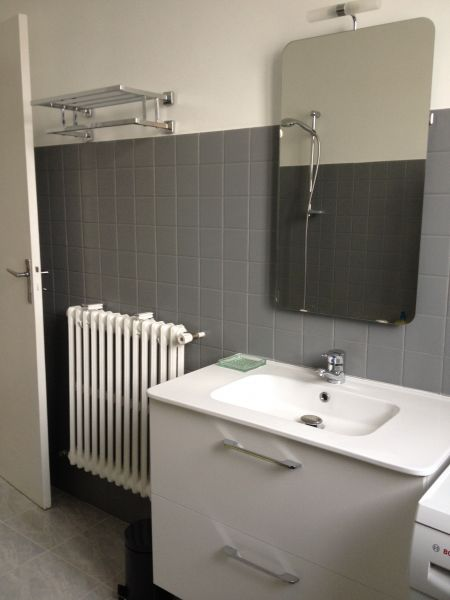 salle de bain Location Studio 103658 Nice