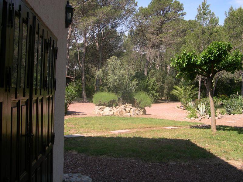 Jardin Location Villa 103900 Saint Raphael