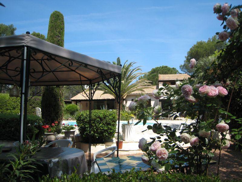 Vue autre Location Villa 103900 Saint Raphael