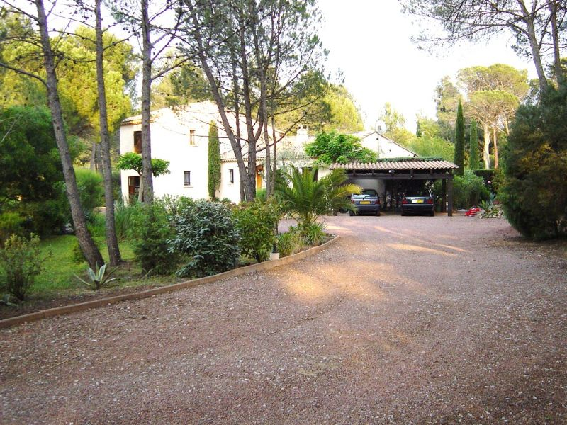 Parking Location Villa 103900 Saint Raphael