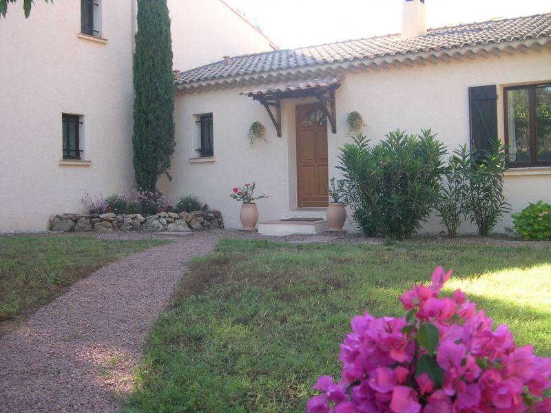 Entrée Location Villa 103900 Saint Raphael