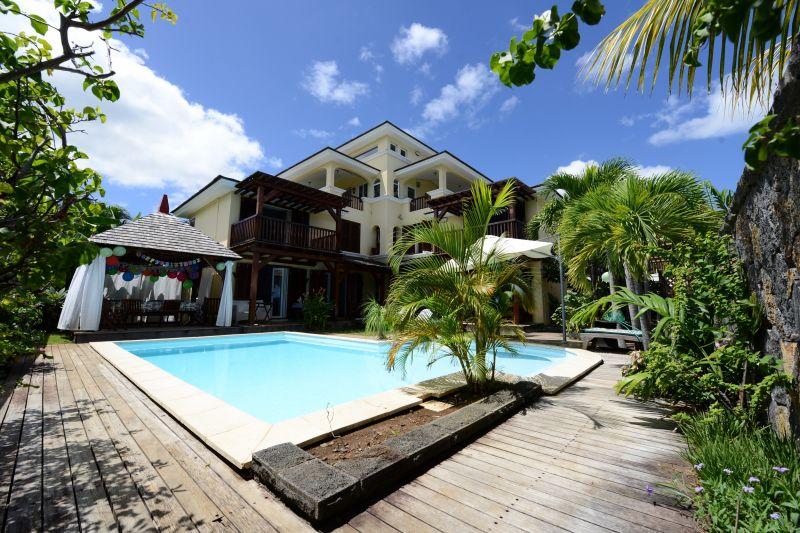 Vue extérieure de la location Location Villa 105203 Tamarin
