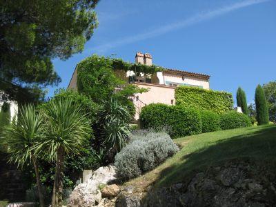 Vue extérieure de la location Location Villa 107418 Pont-Royal
