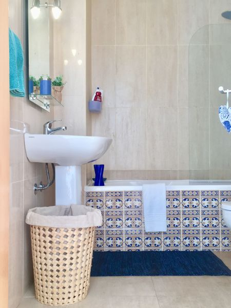 salle de bain Location Appartement 107773 Nazaré