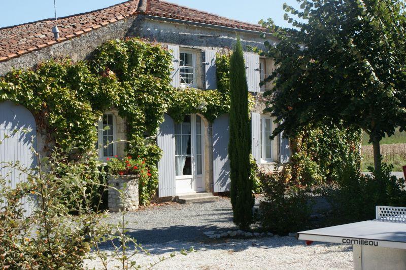 Vue extérieure de la location Location Gite 108201 La Rochelle