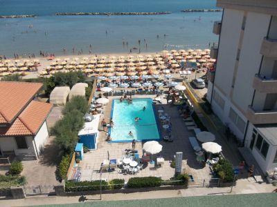 Vue extérieure de la location Location Appartement 108340 Bellaria Igea Marina