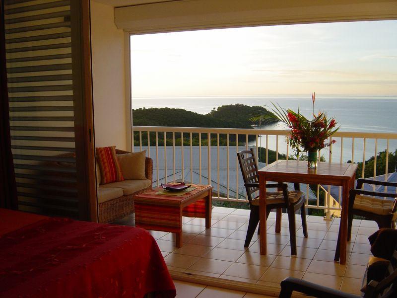 Vue de la terrasse Location Studio 111190 Trois Ilets