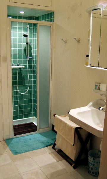 Salle d'eau Location Villa 111723 Grasse