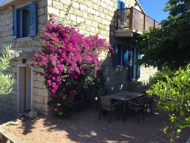 Vue extérieure de la location Location Maison 113232 Bonifacio