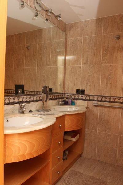 salle de bain 1 Location Villa 113445 Rosas