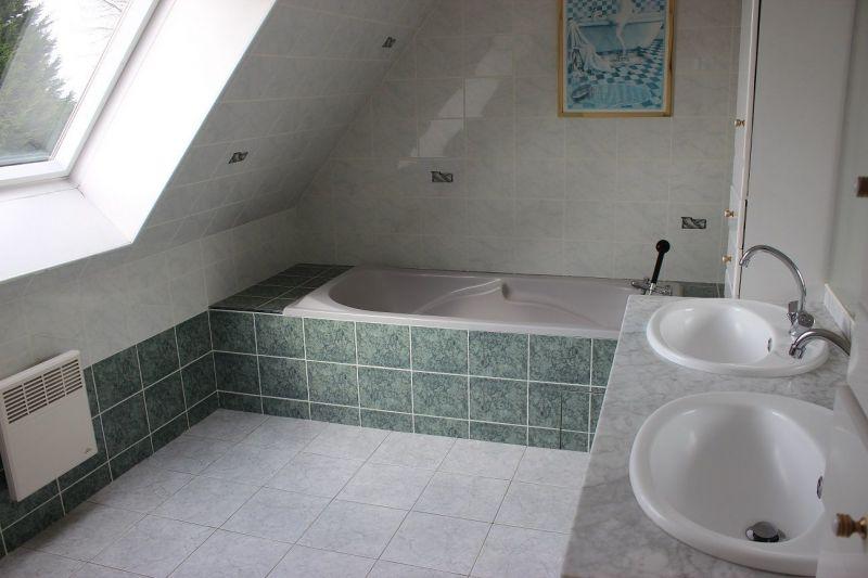salle de bain Location Maison 114331 Dol-de-Bretagne