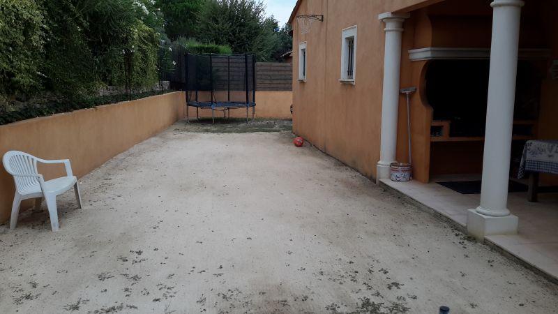 Vue extérieure de la location Location Villa 64669 Saint Tropez