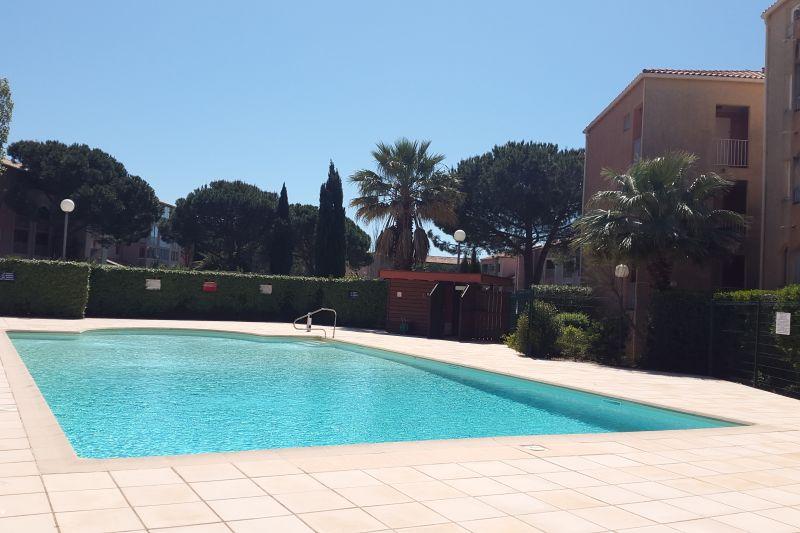 Piscine Location Appartement 68666 La Londe les Maures