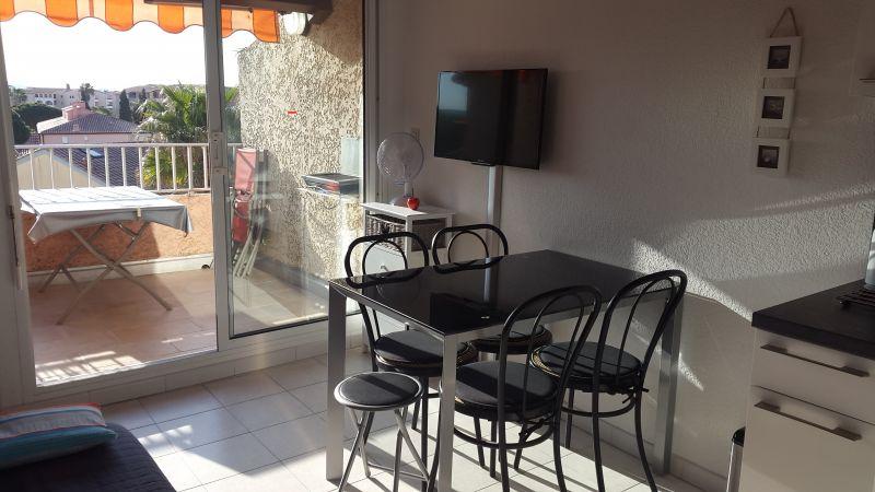 Salon Location Appartement 68666 La Londe les Maures