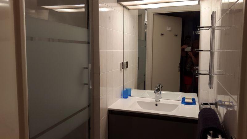 salle de bain Location Appartement 68666 La Londe les Maures