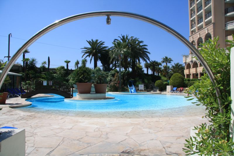 Piscine Location Appartement 68698 Cannes
