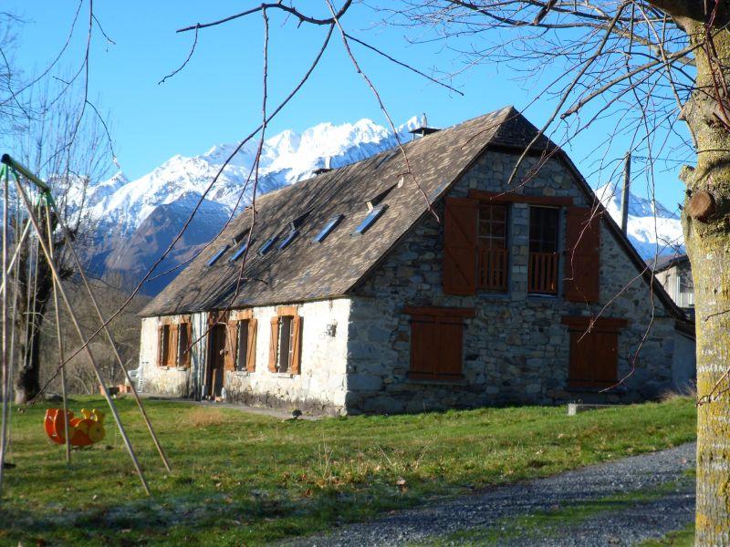 Vue extérieure de la location Location Gite 68864 Argeles Gazost