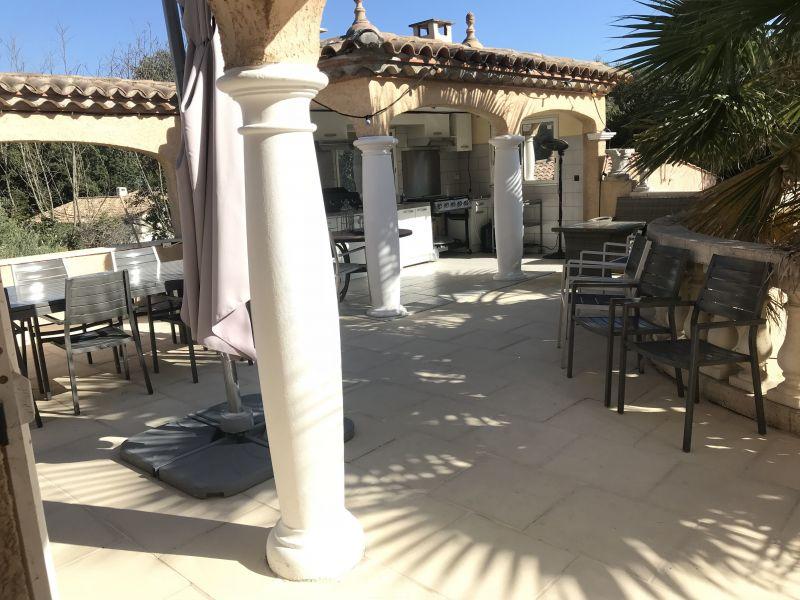 Vue de la terrasse Location Villa 80910 Montpellier