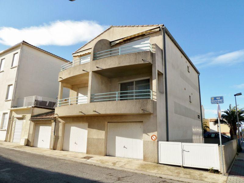 Vue extérieure de la location Location Appartement 82195 Le Grau du Roi