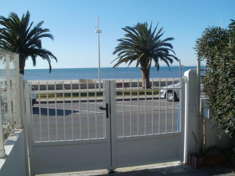 Vue de la terrasse Location Appartement 108260 Le Grau du Roi
