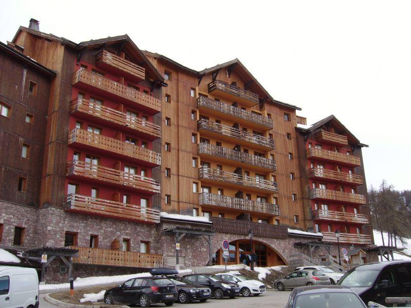 Vue extérieure de la location Location Appartement 112131 Risoul 1850