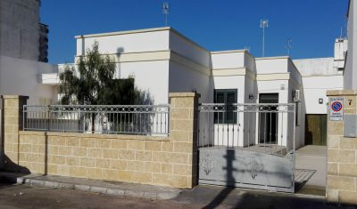 Vue extérieure de la location Location Appartement 113422 Porto Cesareo