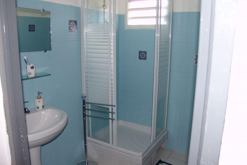 salle de bain Location Appartement 117365 Goyave