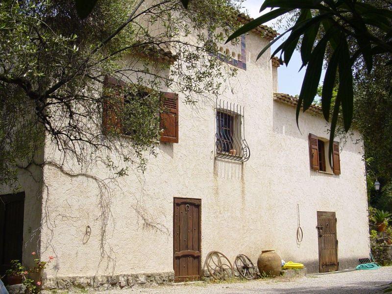 Vue extérieure de la location Location Villa 118551 Grasse